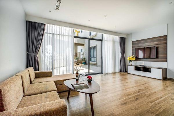 Three-bedroom Apartment Sea View